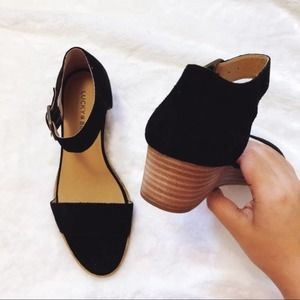 Lucky Brand Black Riamsee Wedge Sandals